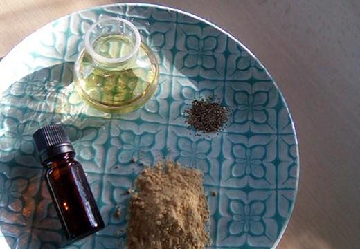 Masque exfoliant à l'argile jaune et aux graines de pavot